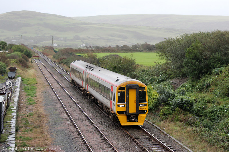 158818 at Tywyn forming 2J03, 0852 Machynlleth to Pwllheli on 8th October 2019.