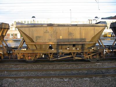 HFA MGR coal hopper with aerodynamic canopy