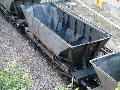 HMA MGR coal hopper with modified brakes