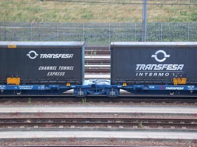 INA-A - Transfesa articulated intermodal/vehicle flat