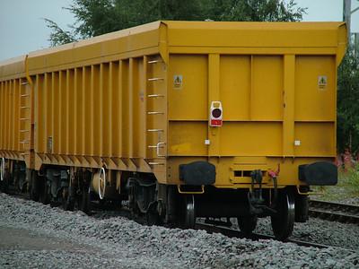 IOA-E Network Rail 'Virtual Quarry' box wagons (Ealnos)
