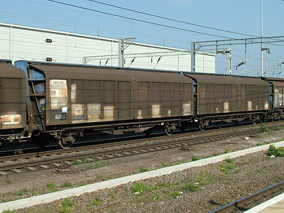 IZA Twin cargowaggons