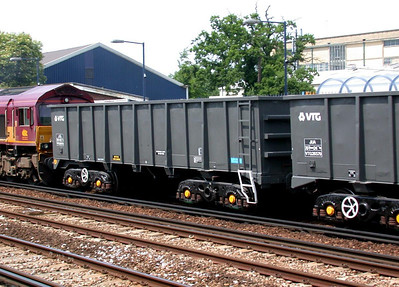VTG26575 at Paddock Wood in June 2005 - Barrie Swann image used with permission