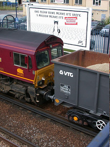VTG26676 at Paddock Wood in July 2005 - Barrie Swann image used with permission