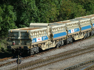 MRA side tipping ballast wagons