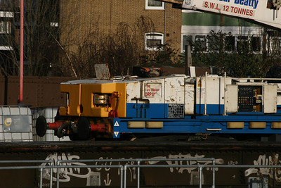 This YOB Plasser self propelled crane was working at Clapham Jcn on the 17th Jan 2010 - sadly unidentifiable due to a missing data panel