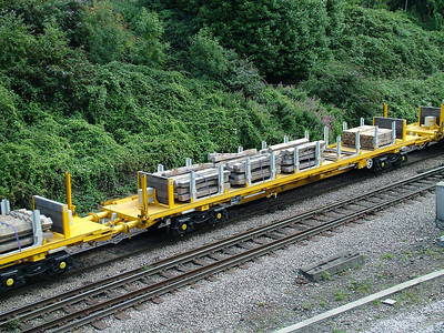 YXA-L - Track renewal train sleeper carrier / support wagon