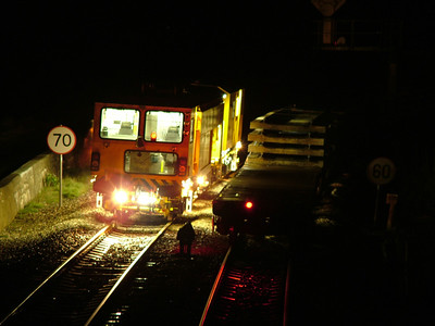 2005-12-04 - Dawlish Warren engineers