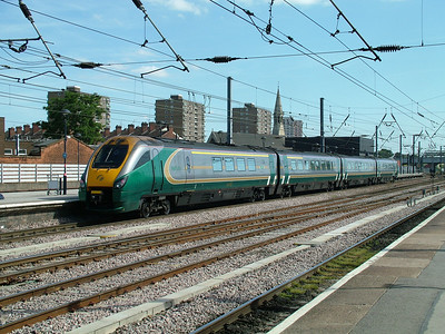 Hull Trains class 222 'Meridien' unit 222102 at Doncaster on the 14th July 2006 - HT started operations with 100mph class 170 units, but traded up to these new 125mph sets later. These now work for East Midlands Trains and HT now uses class 180 units ex First Great Western