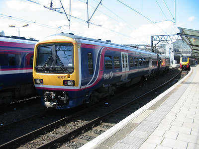 323231_ManchesterPiccadilly_220404