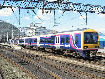 323234_ManchesterPiccadilly_220404