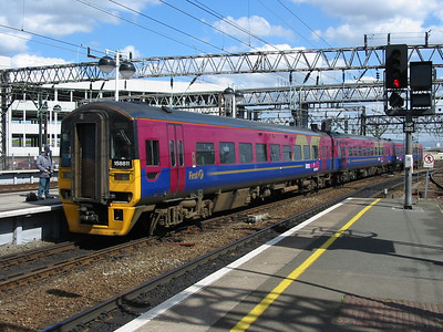158811_ManchesterPiccadilly_220404b