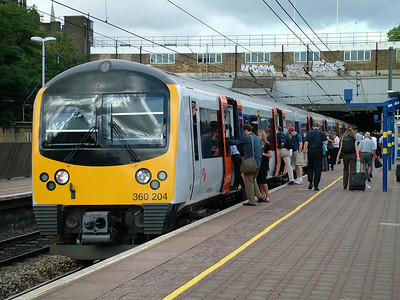 Heathrow connect ukrailwaypics heathrow connect desiro 360204 at ealing broadway on the 31st july 2006 sciox Choice Image