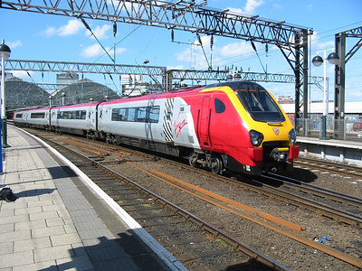 220008_ManchesterPiccadilly_220404