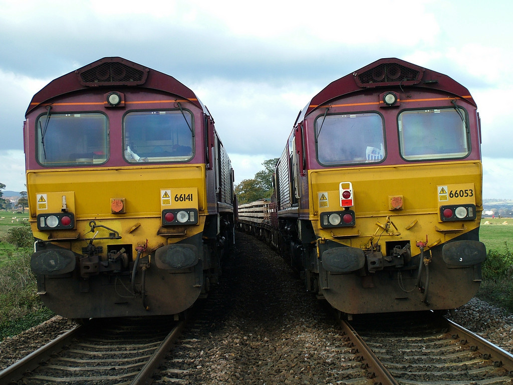 66141 and 66053 at Powederham during engineers work.