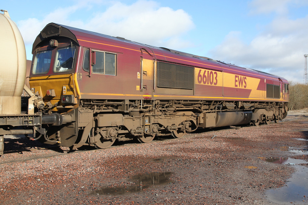 66103 at Mossend - Tom Smith image used with permission