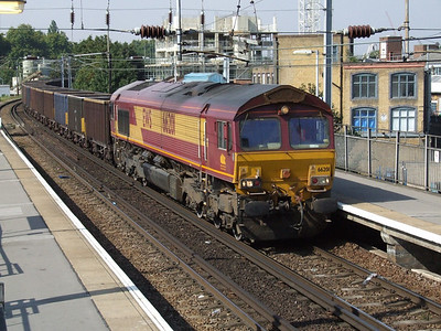 66201 passing Hackney Wick