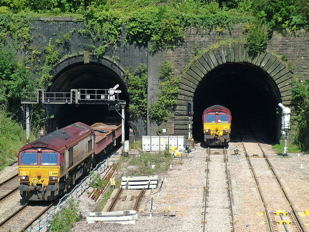66019 and 66167 at Newport Gaer Junction during engineering work