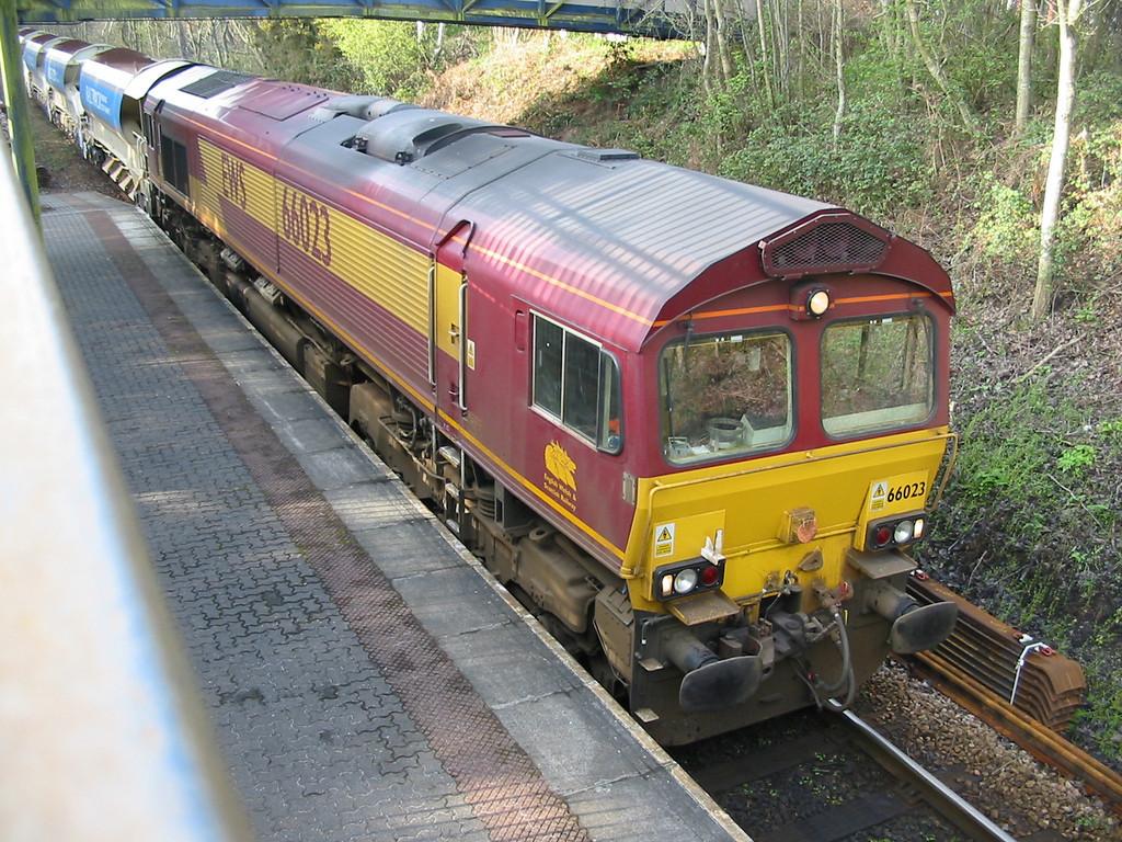66023_Digby&Sowton_110404