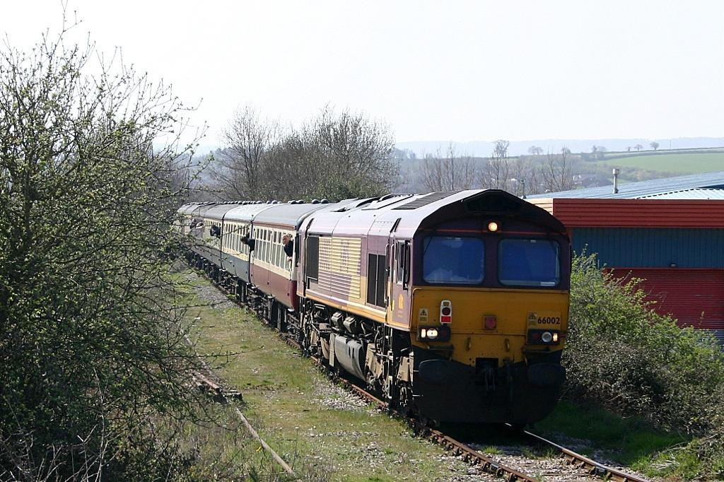 """66002 """"LaFarge Quorn"""" visits Exeter Alphington Road sidings with a railtour"""