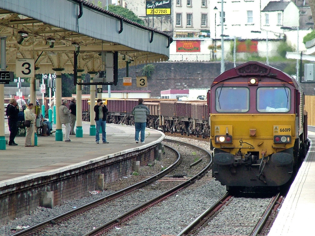 66019 passes through Newport with an engineers train