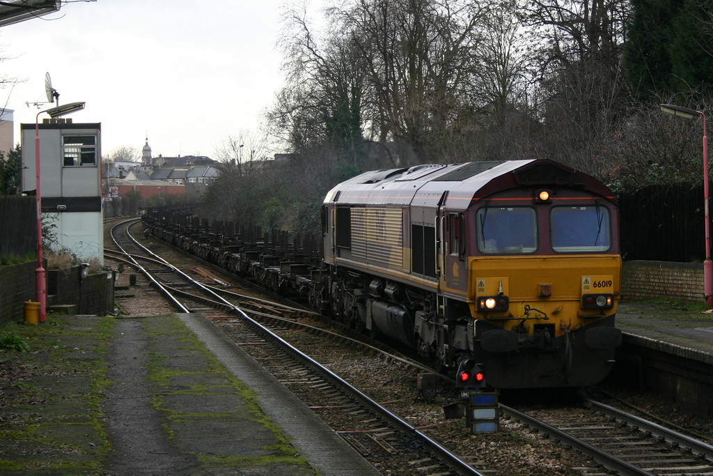 66019 at Upper Holloway with the Ebange to Scunthorpe empty steel working