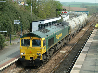 66545 pulls it's cement empties off the Looe branch at Liskeard on the 4th May 2006