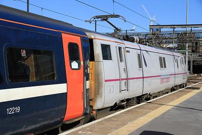 91129 at Kings Cross on 1S12 10.30 to Edinburgh - 18/08/12.
