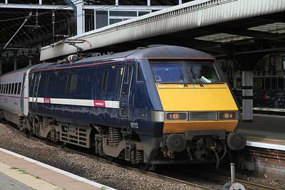 91113 at Newcastle on 1S09 09.00 Kings Cross-Edinburgh - 19/08/12.