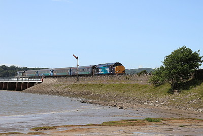 37423 (37606 rear) arriving at Arnside, 2C48 11.56 Carlisle-Lancaster - 04/07/15.