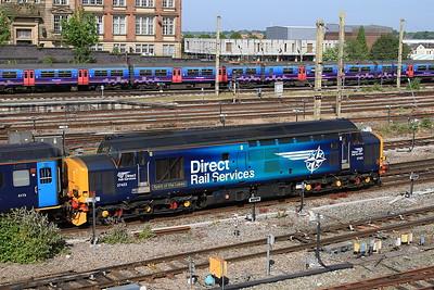 37423 brings up the rear at Preston, 2C32 05.15 ex Carlisle - 12/06/15.