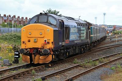 37409, Barrow, on rear of the ECS off 2C47 10.04 ex Preston, as 37423 runs into the CS - 31/07/15.