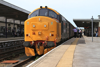 37401 (37402 rear), Barrow, 2C48 11.56 Carlisle-Lancaster - 08/08/15.