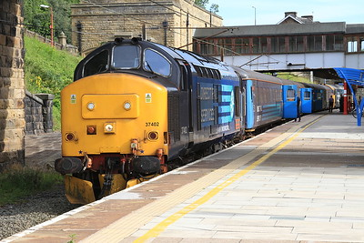 37402 (37401 rear), Lancaster, 2C31 17.31 to Barrow - 08/08/15.