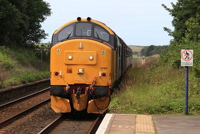 37401 (37402 rear) arr Silecroft, 2C48 11.56 Carlisle-Lancaster - 08/08/15.