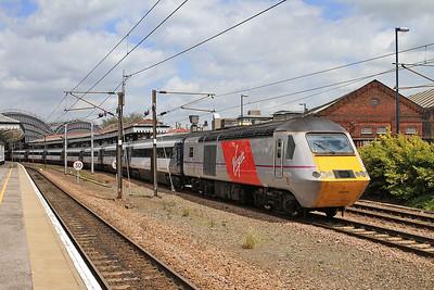 43274 dep York, 1E13 07.55 Inverness-Kings Cross - 23/05/15.
