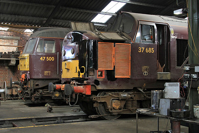 47500 & 37685 (undergoing bodywork repairs after an incident with a tree) inside the diesel depot - 15/07/15.