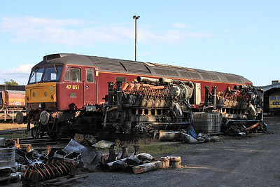 47851 in the yard outside the diesel depot - a couple of EE 12CSVT's in the foreground - 15/07/15.