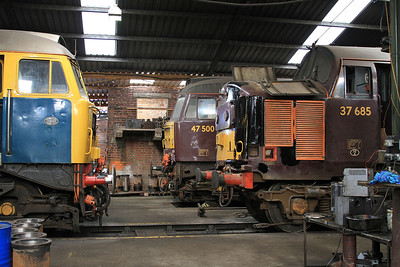 47580, 47500 & 37685 (undergoing bodywork repairs after an incident with a tree) inside the diesel depot - 15/07/15.