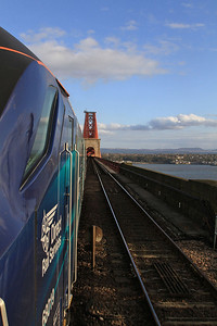 68019 approaching the Forth Bridge, 2K14 18.15 Glenrothes with Thornton-Edinburgh - 22/04/16.