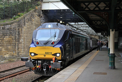 68019, Edinburgh Waverley, 2G13 17.08 to Glenrothes with Thornton - 22/04/16.