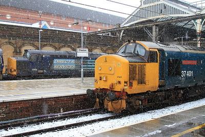 37401, Preston, 2C47 10.04 to Barrow ....... 66429 + 37612 behind are on 6C53 0813 Crewe Coal Sidings-Sellafield Nuclear Flasks - 04/03/16.