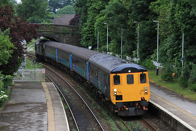 37425 arr Cark on rear of 2C32, 05.15 Carlisle-Preston - 13/06/16.