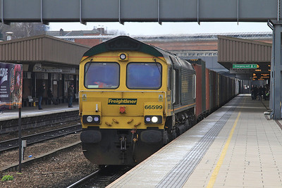 66599 passes Leicester, 08.30 Lawley St.-Felixtowe Freightliner - 27/02/16.
