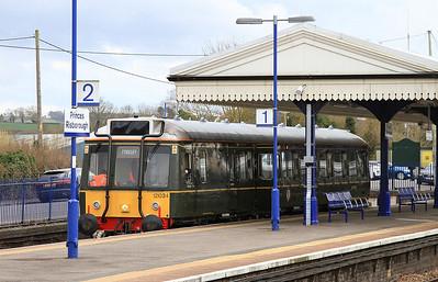 DMU 55034, Princes Risborough, 2A50 18.04 to Aylesbury - 04/04/16.