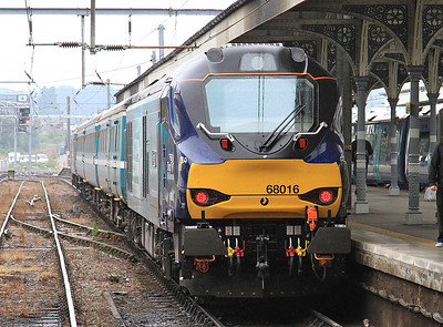 68016 (68019 rear), Norwich, on arrival with 2J73 10.57 ex Lowestoft - 19/08/16.