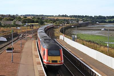 43313 + 43311 dep Montrose, 1E15 09.52 Aberdeen-London Kings Cross - 17/09/16.