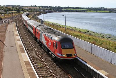 43295 + 43307 arr Montrose, 1S02 06.10 Doncaster-Aberdeen - 17/09/16.