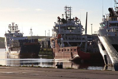 General Cargo Ship 'Daroja' and Supply Vessel 'Skandi Saigon' berthed in Aberdeen harbour - 17/09/16.