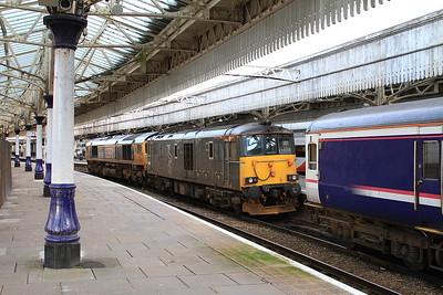 66719 + 73966, Aberdeen, on arrival with 1A25 04.43 Portion ex Edinburgh - 17/09/16.